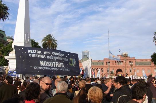 Spontane Trauerkundgebung auf der Plaza de Mayo am Mittwoch