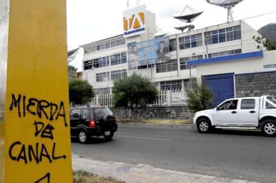 Graffito gegen den Privatsender Teleamazonas