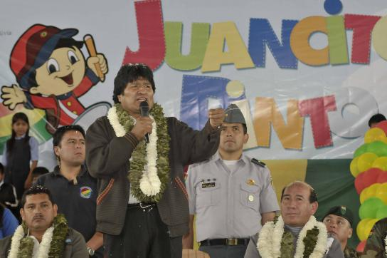 """Evo Morales bei der Feierlichen Zeremonie zur Auszahlung von """"Juancito Pinto"""""""
