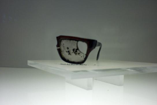 Symbol des Unrechts: Zerstörte Brille Allendes