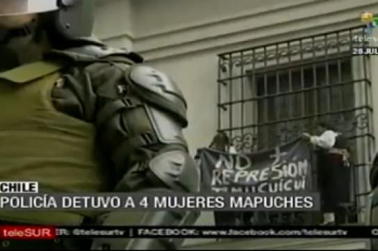 Protestaktion der Mapuche-Frauen am Präsidentenpalast