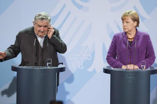 Mujica und Merkel bei Pressekonferenz