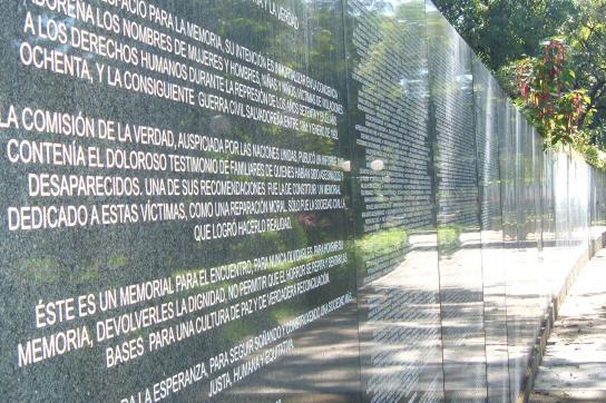 Denkmal für de Opfer des Bürgerkrieges in El Salvador