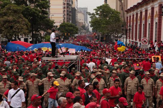 Anhänger des venezolanischen Präsidenten bei der Demonstration am Freitag