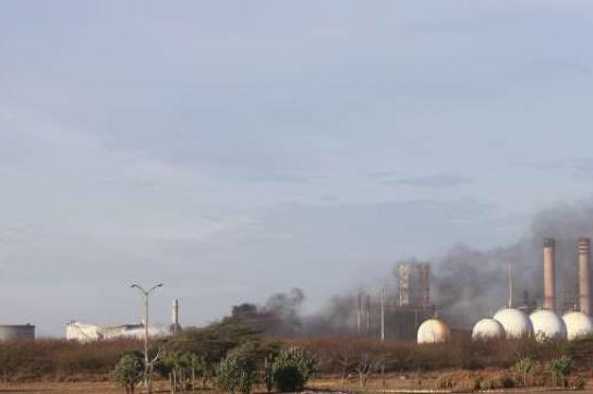 Raffinerie-Unglück in Amuay: das offene Feuer ist gelöscht, jetzt läuft die Ursa