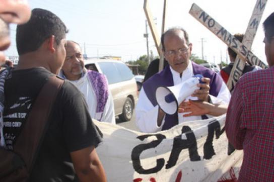 Solalinde auf einer Demonstration