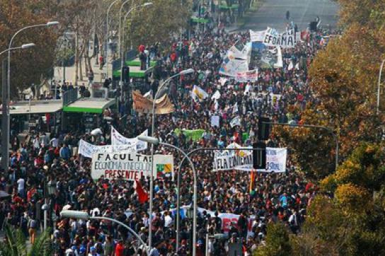 Studierende und Schüler gehen in Chile wieder auf die Straße