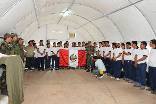 Präsident Humala mit den Befreiten