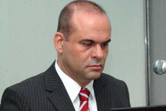 Ex-Paramilitär Salvatore Mancuso kritisiert mangelnden Schutz seiner Familie im