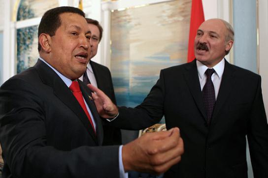 Chávez bei seinem letzten Besuch in Minsk mit Lukaschenko