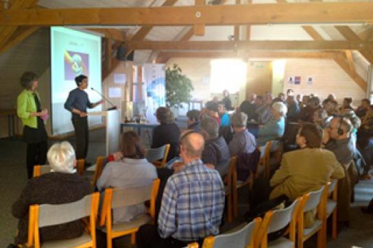 Edgar Soriano bei seinem Vortrag in Luzern