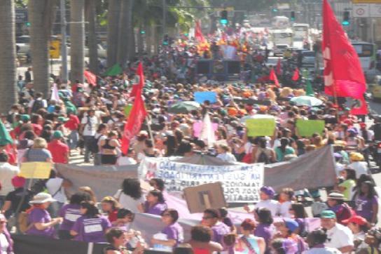 """""""Marsch der Frauen"""" in Rio de Janeiro"""