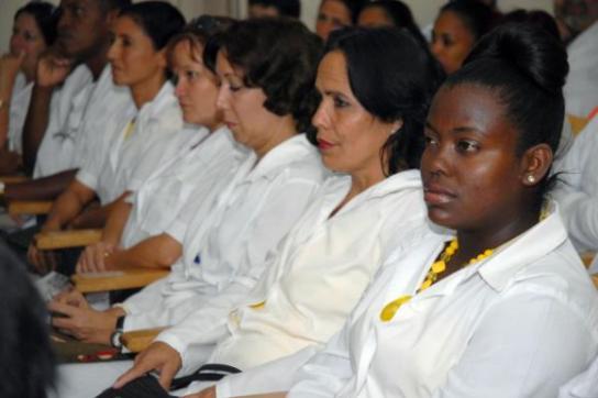 Kubanische Ärztinnen und Ärzte in Bolivien