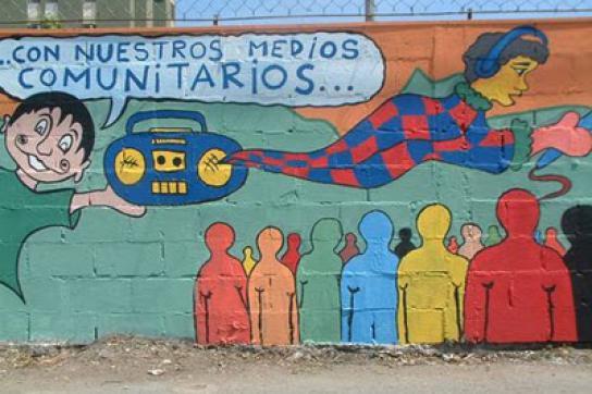 Wandbild für kommunale Radios in Argentinien