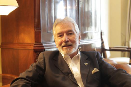 Nicaraguas Außenminister Samuel Santos während des Interviews mit amerika21.de