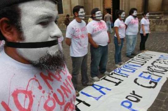 Protes gegen Prozeßannullierung