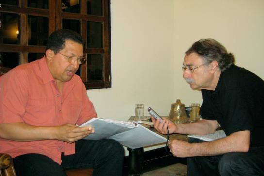 Hugo Chávez und Amerika21.de-Kolumnist Ignacio Ramonet im Interview