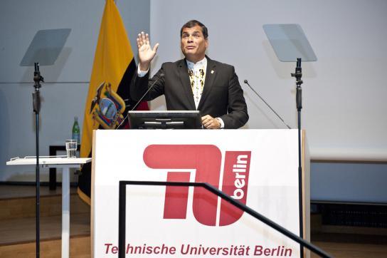 Rafael Correa während seiner Rede in der TU-Berlin