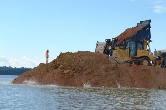 Bau des Belo Monte Staudamm