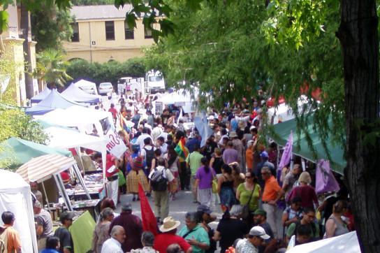 """Infostände auf dem """"Cumbre de los Pueblos"""""""