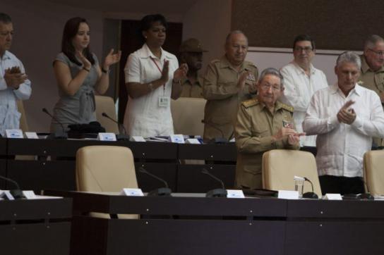 Applaus und Gedenken für Fidel Castro im Parlament in Kuba