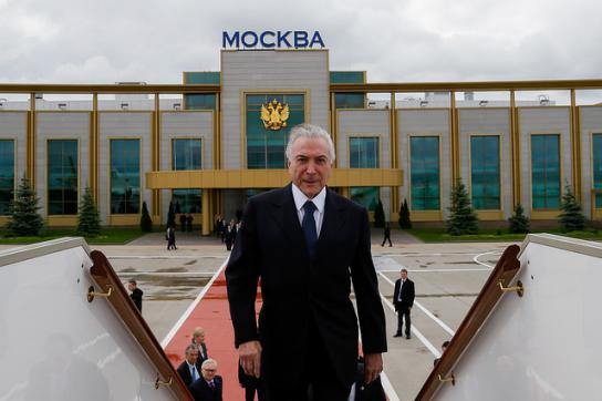 Windig: Temer in Russland. In Brasilien will ihm weiter die Justiz an den Kragen