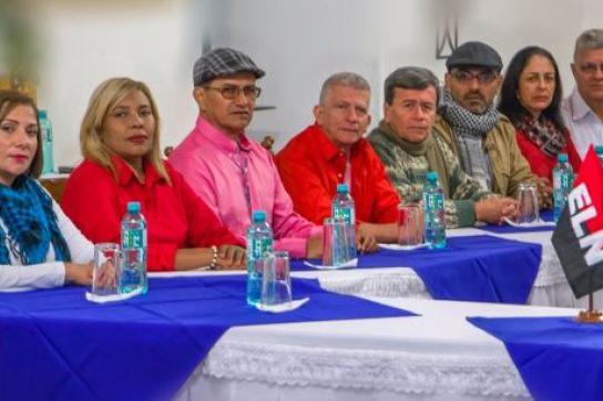 Verhandlungsdelegation der ELN in Ecuador