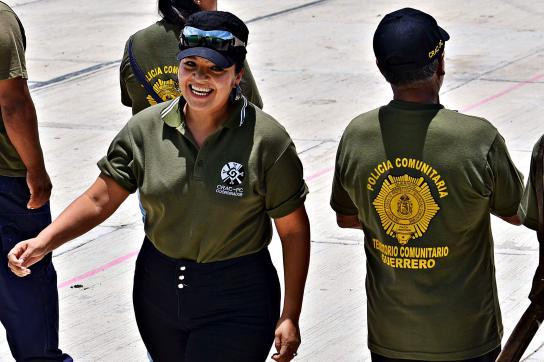 Nestora Salgado als Kommandantin der Autonomen Kommunalen Polizei der Gemeinde O