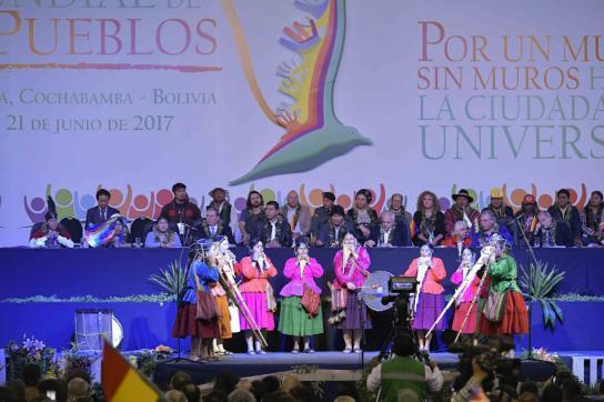 Podium beim Gipfel der Völker in Bolivien