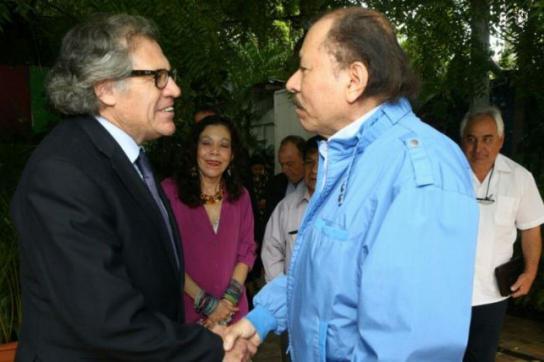 OAS-Generalsekretär Luis Almagro und Nicaraguas Präsident Daniel Ortega