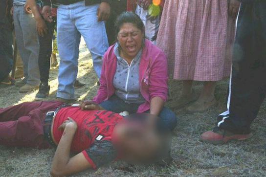 Mutter eines erschossenen Zivilisten in Mexiko