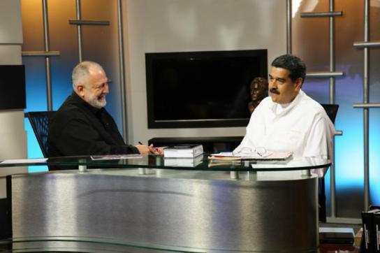 Präsident Maduro (re.) mit dem TV-Moderator Mario Silva in Caracas, Venezuela