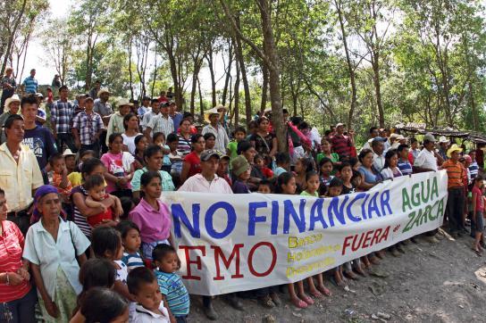 Protest der Gemeinden der Lenca-Volksgruppe in Honduras gegen die FMO-Bank