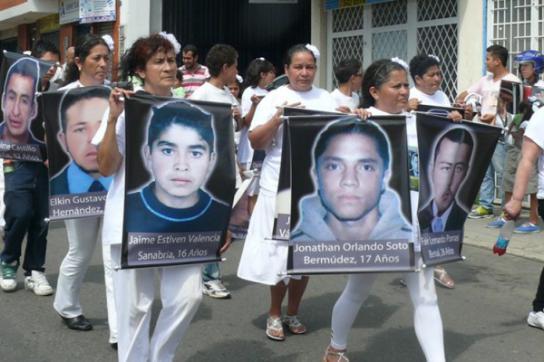 Die drei Opfer gehören zu den 19 Jungen, die im Jahr 2008 aus dem Slum Soacha in