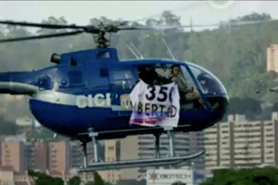 Entführter Hubschrauber mit Oppositionellen während des Angriffes in Venezuela
