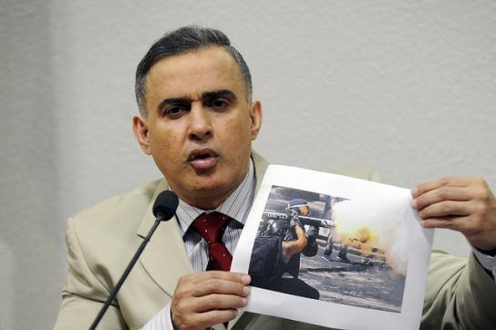 Menschenrechtsbeauftragter von Venezuela, Tarek William Saab, zeigt Aufnahmen ge