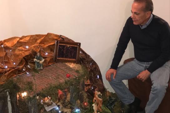 Manuel Rosales betet für den Wohlstand in Venezuela