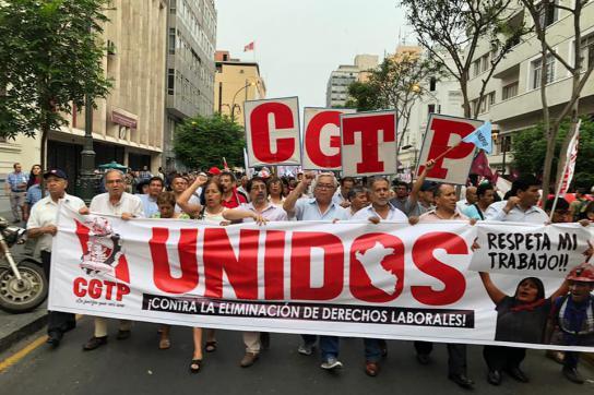 Demonstrierende der Gewerkschaft CGTP