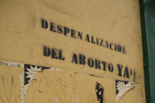 "Graffiti ""Despenalización del aborto ya"""