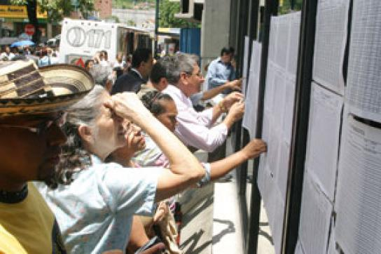 Kolumbien bestimmt neuen Präsidenten